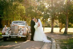sydney-wedding-photographer-bride-groom-vintage-ro