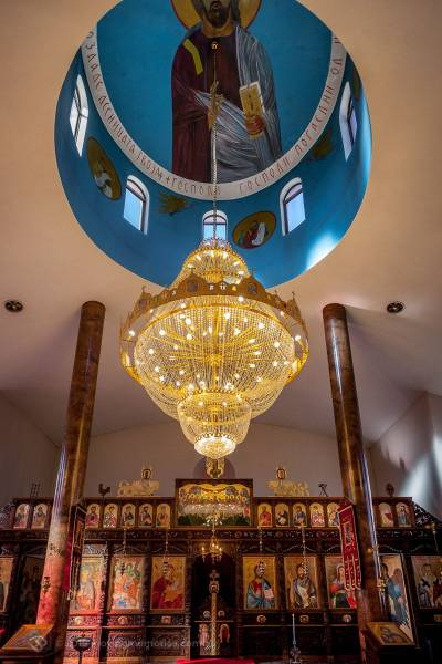 the-extraordinary-decoracted-ornate-ceiling-before-the-service-for-Baby-Girl-Andrea-Christening-at-Macedonian-Orthodox-Church-Wollongong-Panorama-House
